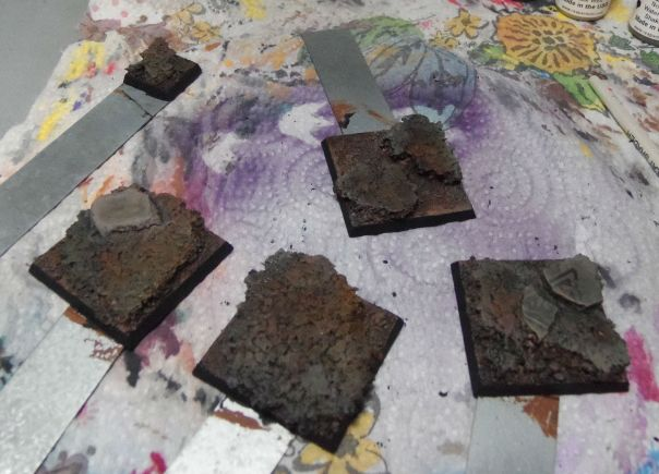 Bases washed and drybrush highlighted