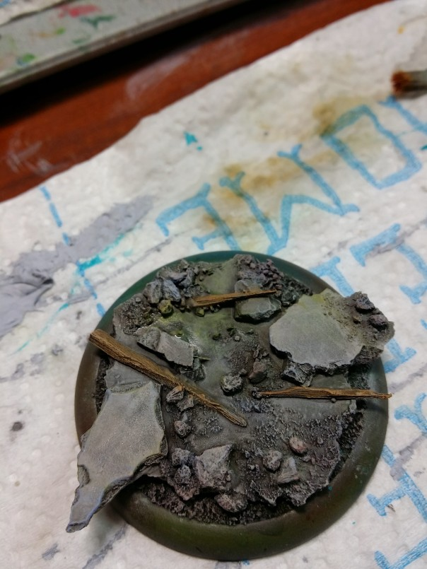 9 various drybrushes RMS rust brown VMC azure VGC goblin green RMS golden shadow